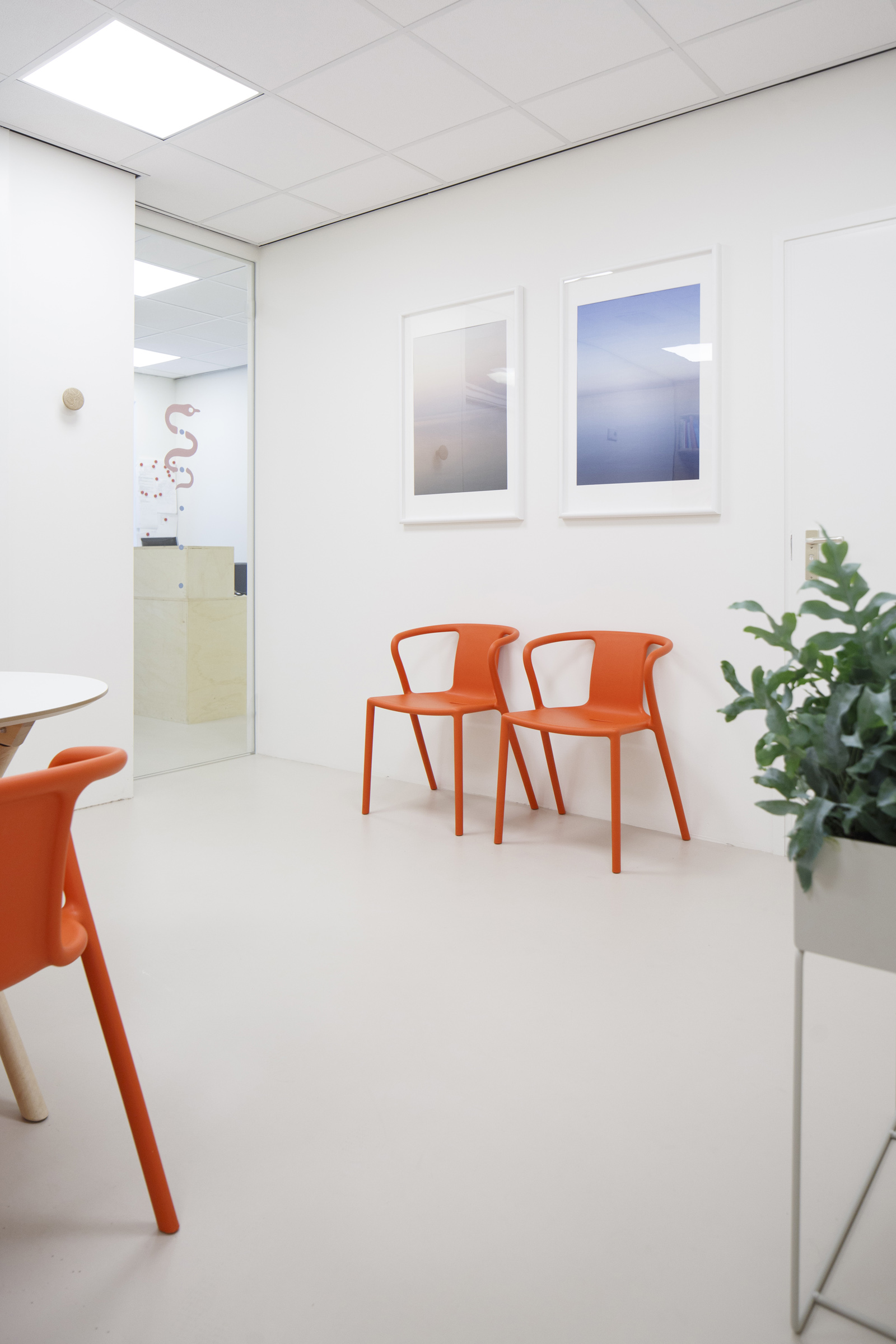 docors office 02 1600